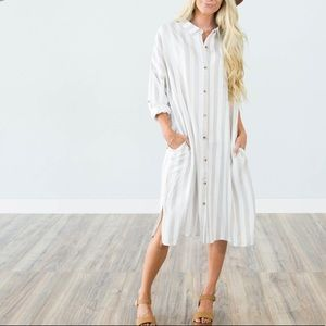 Dresses & Skirts - ☀️🌵💕Striped button-front pocket dress kimono